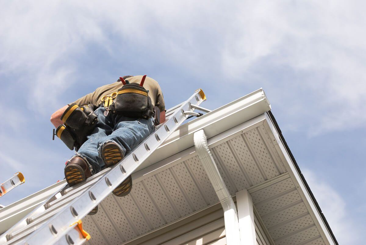 Tips to prepare your gutters for winter maintenance